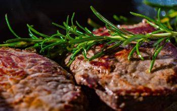 Gegrilltes Steak mit Thymian